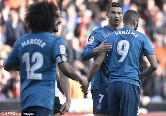 Real Madrid ghi thêm 2 bàn ở cuối trận và thắng chung cuộc 2-1