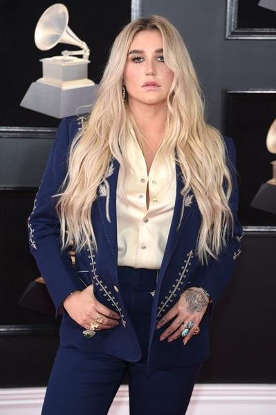 Người đẹp khoe dáng gợi cảm tại lễ trao giải Grammy - 33