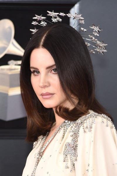 Người đẹp khoe dáng gợi cảm tại lễ trao giải Grammy - 8