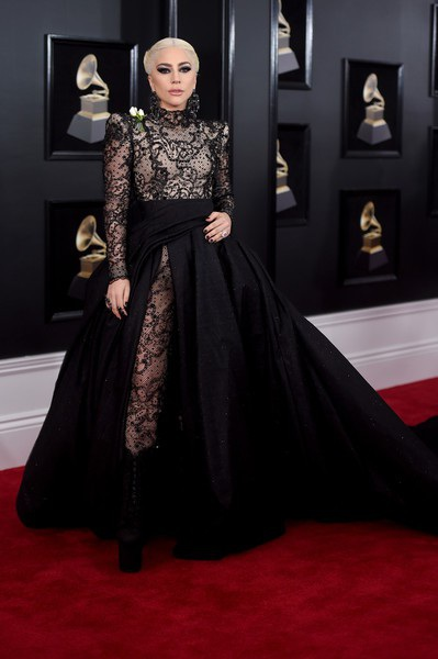 Hailee Steinfeld quyến rũ với váy Alexandre Vauthier