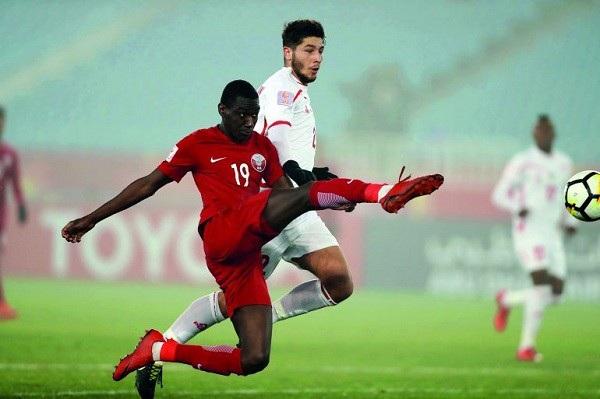 Almoez Ali sở hữu tốc độ của chú báo và khả năng săn bàn nhạy bén. Cầu thủ này đã nhận giải Vua phá lưới giải U23 châu Á với 6 bàn. Thực tế, Almoez Ali từng có thời gian dài chơi bóng ở Áo, Tây Ban Nha trước khi trở về quê nhà đầu quân cho các CLB Lekhwiya, Al-Duhail. Tờ FourFourTwo tin tưởng rằng Almoez Ali có thể trở lại châu Âu thi đấu nếu tiếp tục thể hiện phong độ tốt như giải U23 châu Á vừa qua.