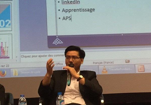 Diễn giả Nguyễn Đăng Hanh - cựu nghiên cứu sinh tại Pháp, đồng thời đang là giảng viên ĐH Giao thông vận tải và ESITIC Caen Pháp chia sẻ kinh nghiệm làm hồ sơ xin học tiến sĩ.