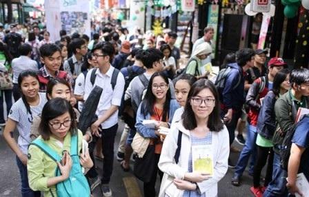 Đường Sách Nguyễn Văn Bình thu hút đông đảo công chúng. (Ảnh: DP)