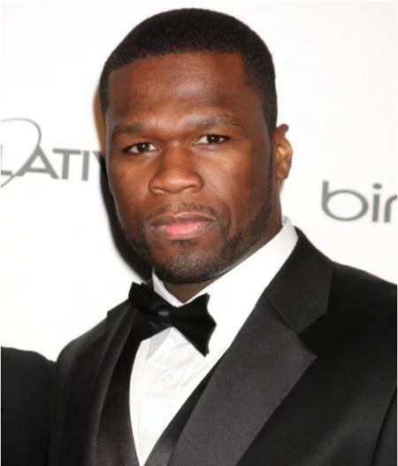 """50 Cent từng bị bắn tới 9 phát ở cự li gần vào tay, hông, hai chân, ngực và mặt khi ở trước nhà bà của mình. Nam rapper từng chia sẻ rằng: """"Sau khi bị bắn chín phát ở cự li gần và không chết, tôi bắt đầu nghĩ tôi hẳn phải có một mục đích sống ở trên đời này""""."""