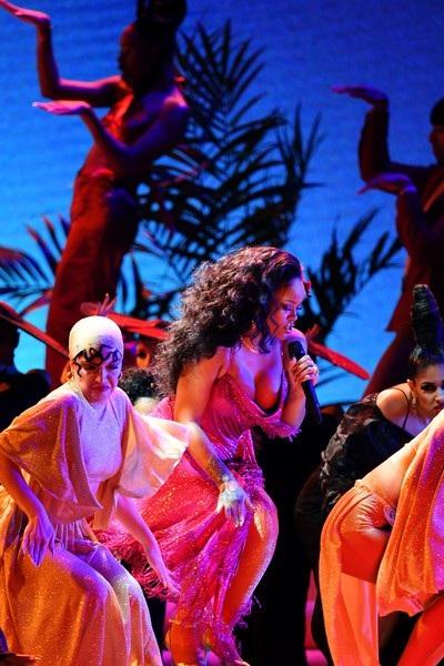 Rihanna biểu diễn tại lễ trao giải Grammy 2018 diễn ra ở New York, Mỹ ngày 29/1 vừa qua