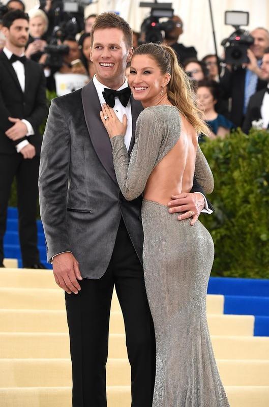 Cầu thủ bóng bầu dục người Mỹ Tom Brady (40 tuổi) và siêu mẫu người Brazil - Gisele Bundchen (37 tuổi)