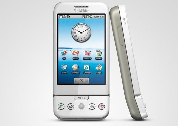 HTC Dream, chiếc smartphone đầu tiên chạy Android được HTC sản xuất, đánh dấu việc Google đặt chân vào thị trường smartphone