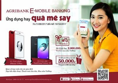 Các ứng dụng sản phẩm dịch vụ hiện đại của Agribank đang ngày càng thu hút sự quan tâm và tham gia của đông đảo khách hàng (Ảnh: Minh Đăng - TSC)