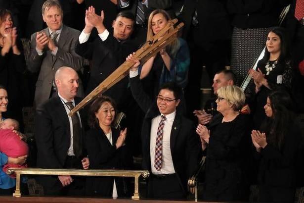 Ông Ji Seong-ho được vinh danh trong Thông điệp Liên bang đầu tiên của Tổng thống Donald Trump. (Ảnh: Getty)