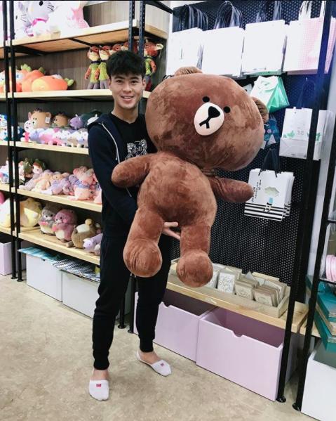 Chọn gấu bông mua tặng cho bạn gái