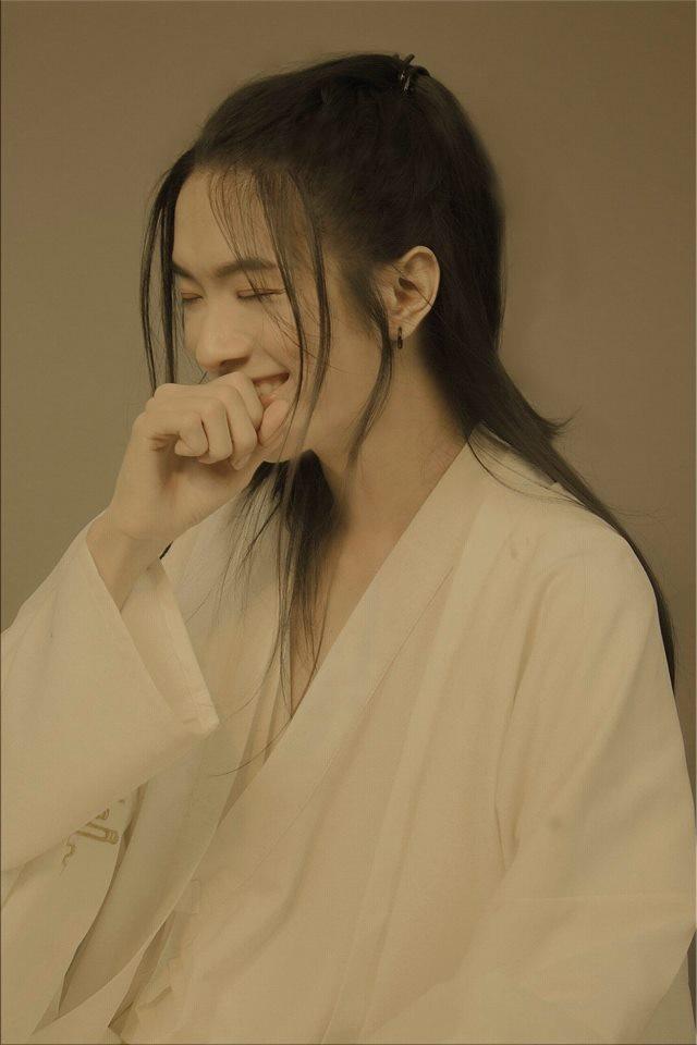 Ngỡ ngàng chàng trai Sài Gòn có tóc dài xinh như thiếu nữ - 2