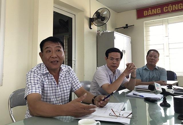 Các thành viên trong Ban Quản lý chợ Long Biên