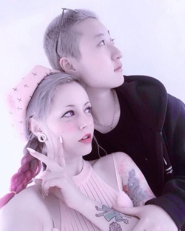 Con gái rơi của Thành Long thừa nhận mình là người đồng tính vào năm ngoái.