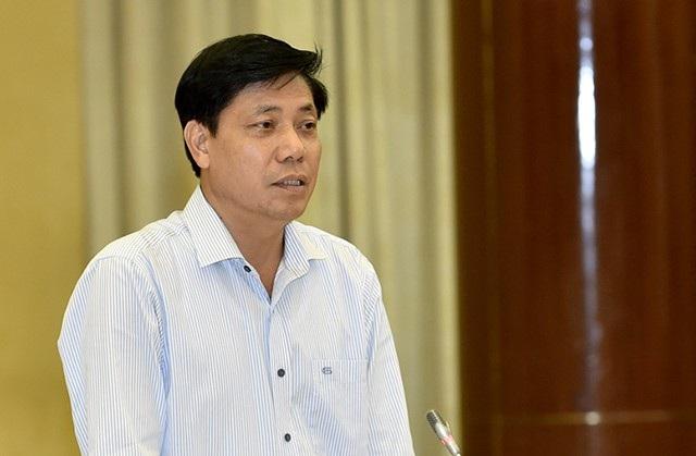 Thứ trưởng Bộ GTVT Nguyễn Ngọc Đông trả lời tại buổi họp báo Chính phủ