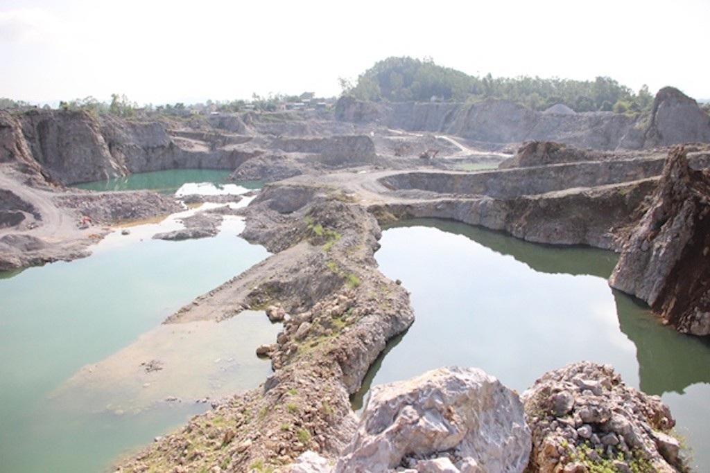 Nghệ An: Hàng loạt sai phạm tại mỏ đá lèn Chùa - Ảnh 2.