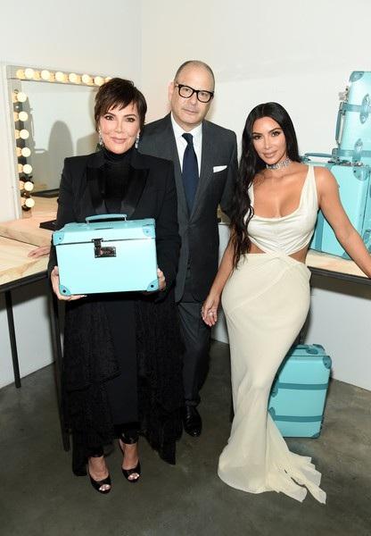 Cùng dự sự kiện còn có mẹ cô Kim - bà Kris Jenner