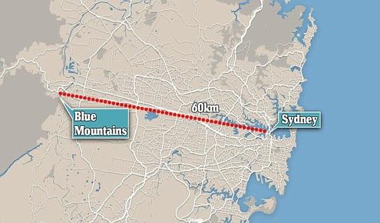 Một cơn sóng thần từng tràn tới cả dãy núi Blue, nằm sâu 50 km trong đất liền. Ảnh: Daily Mail