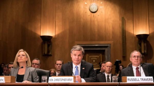 Từ trái qua phải: Bộ trưởng An ninh Nội địa Mỹ Kirstjen Nielsen, Giám đốc Cục Điều tra Liên bang Mỹ (FBI) Christopher Wray và Quyền Giám đốc Trung tâm Chống khủng bố Quốc gia Mỹ Russell Travers tại phiên điều trần ngày 10/10 (Ảnh: Reuters)