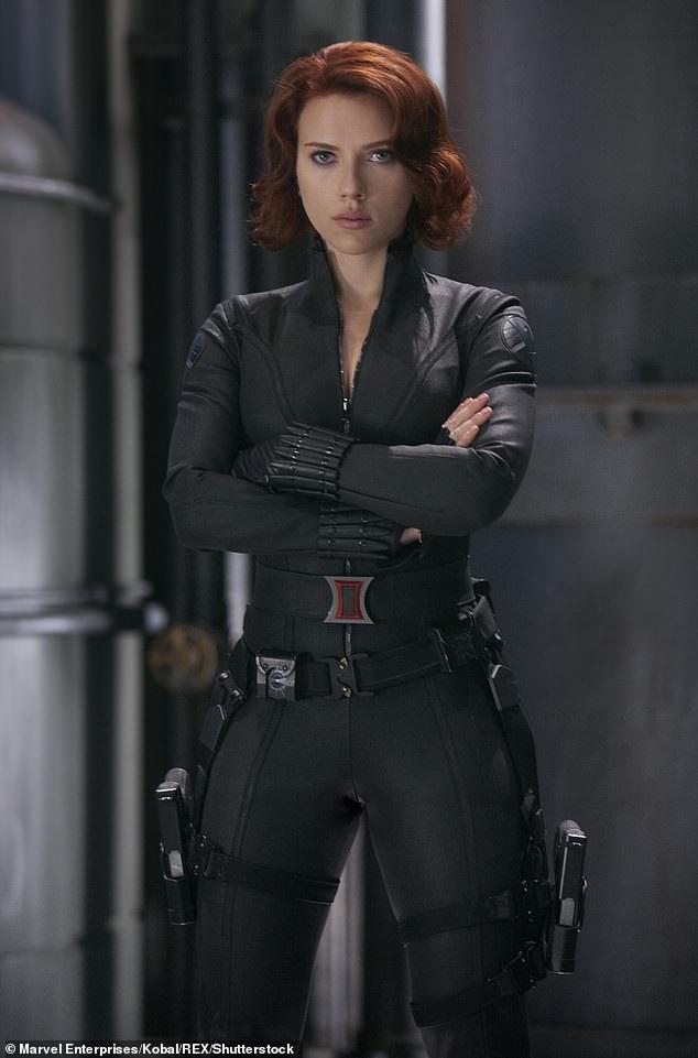 "Scarlett Johansson trong vai ""Góa phụ đen"""