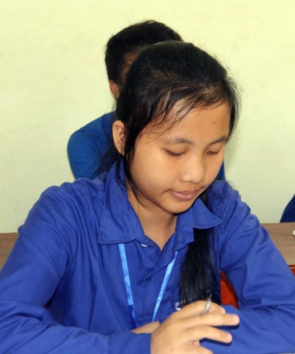Chân bị bệnh tật, phải gián đoạn việc học hành, nhưng Linh không gục ngã, không đầu hàng số phận. Linh đã trở lại trường để viết tiếp ước mơ đẹp của mình.