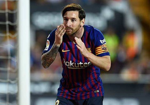 France Football bất ngờ xóa cuộc bầu chọn online, khi Messi chiếm ưu thế lớn