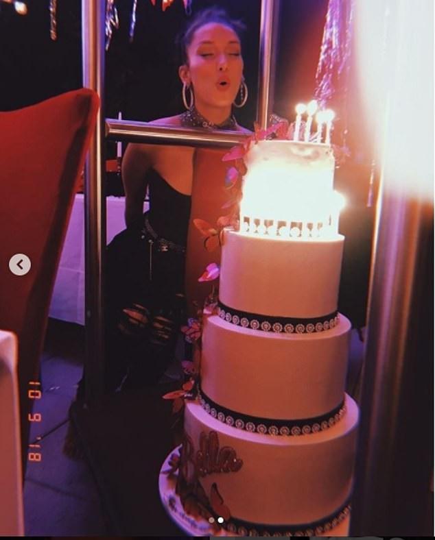 Bella Hadid đã được bạn trai The Weeknd tổ chức tiệc sinh nhật hoành tráng mừng sinh nhật lần thứ 22 của cô