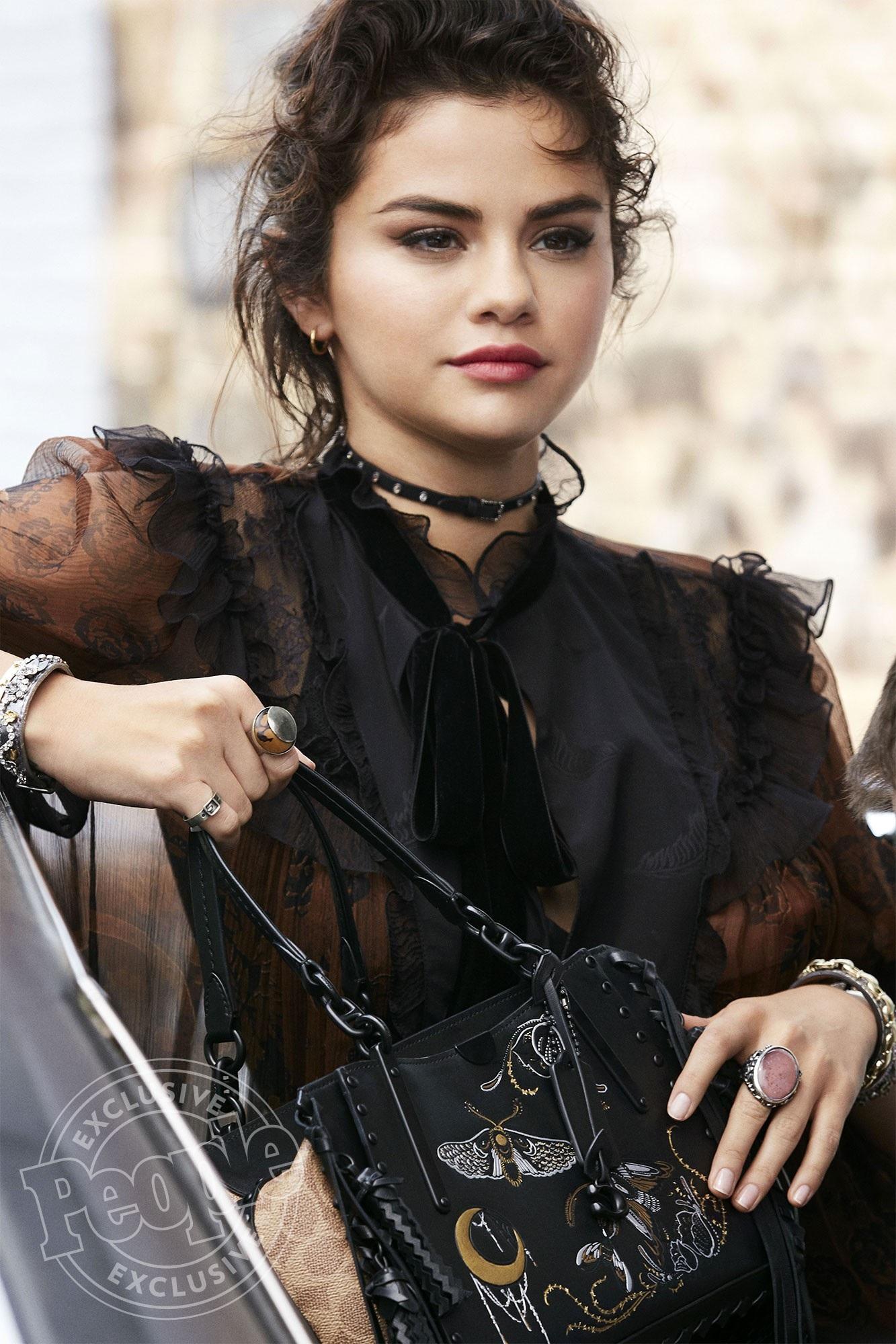 """Yêu nhau cả thanh xuân, tại sao Selena và Justin không thể là """"định mệnh chung cuộc""""? - Ảnh 1."""
