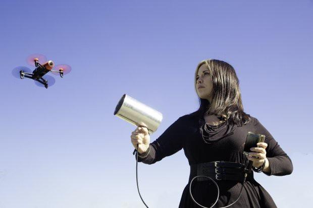 """Để đảm bảo bí mật, đội ngũ làm phim tuyên bố sẽ """"bắn hạ"""" bất kỳ chiếc drone nào nếu tới quá gần (Ảnh minh hoạ)."""