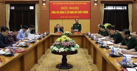 Hội nghị về quản lí sử dụng đất quốc phòng giữa Bộ Tài nguyên và Môi trường với Bộ Quốc phòng chiều 11/10.