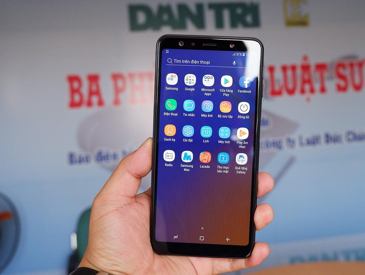 Galaxy A7 - smartphone 3 camera đầu tiên của Samsung xuất hiện tại Việt Nam - Ảnh 8.