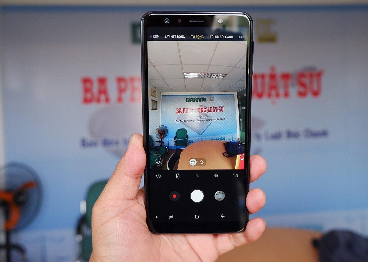 Galaxy A7 - smartphone 3 camera đầu tiên của Samsung xuất hiện tại Việt Nam - Ảnh 4.