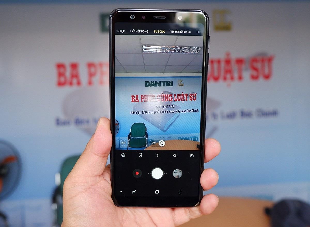 Galaxy A7 - smartphone 3 camera đầu tiên của Samsung xuất hiện tại Việt Nam - Ảnh 3.