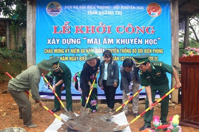 Hội Khuyến học phối hợp với BCH Bộ đội Biên phòng khởi công xây dựng Mái ấm Khuyến học cho học sinh nghèo.