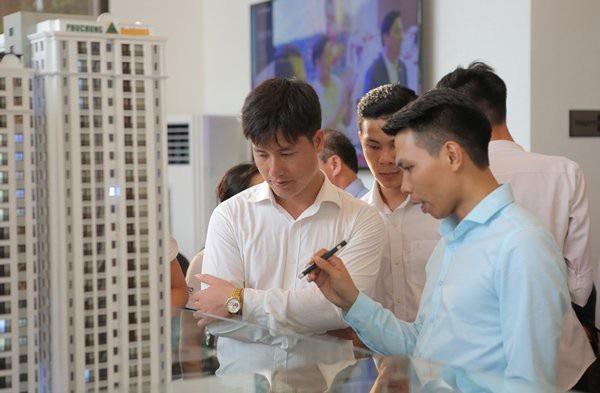 Hay như mới đây Tập đoàn FLC cho biết sắp xây dựng 15.000 căn hộ diện tích 25-50m2 với mức giá từ 400 - 500 triệu đồng/căn.