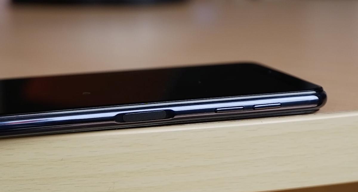 Galaxy A7 - smartphone 3 camera đầu tiên của Samsung xuất hiện tại Việt Nam - Ảnh 9.