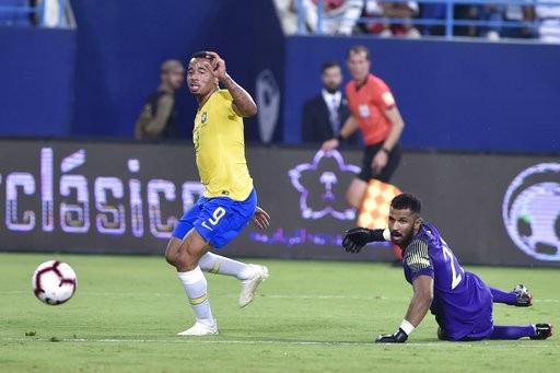 Brazil giành chiến thắng trước Saudi Arabia