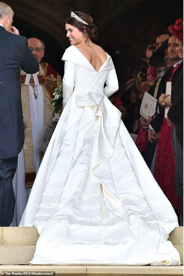 Công chúa Eugenie rạng rỡ trong ngày cưới