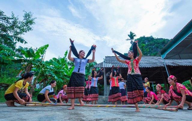 Du lịch cộng đồng là loại hình thu hút đông khách du lịch đến Nghệ An, trong đó có nhiều khách quốc tế (ảnh Sở Du lịch Nghệ An)