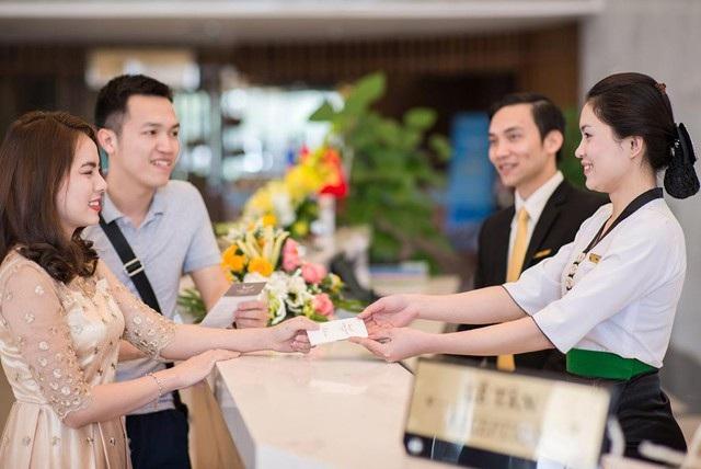 Chất lượng lao động trong ngành du lịch Nghệ An đang từng bước được nâng lên, đáp ứng nhu cầu sử dụng lao động của các doanh nghiệp cũng như phục vụ du khách tốt hơn (Ảnh M.T)