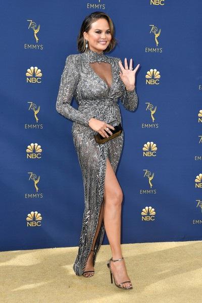 Chrissy Teigen được chồng John Legend cưng chiều hết mực
