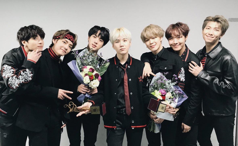 Chân dung những chàng hoàng tử quyền lực chưa từng thấy của K-pop - Ảnh 13.