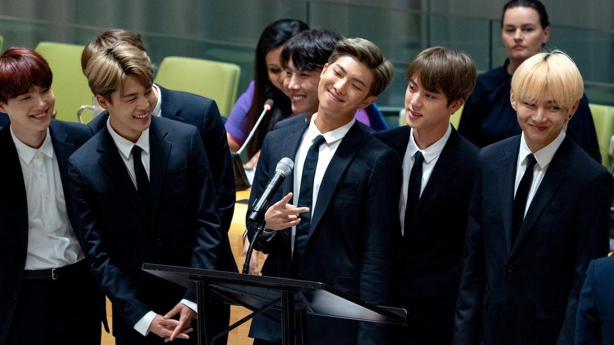 Chân dung những chàng hoàng tử quyền lực chưa từng thấy của K-pop - Ảnh 5.