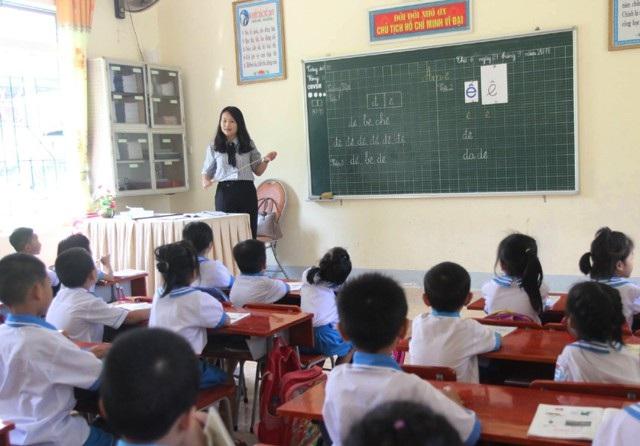 Việc tạm dừng thực hiện Quyết định 1517 về tổ chức dạy học 2 buổi/ngày gây khó khăn cho các trường tiểu học trong việc đảm bảo chất lượng dạy và học, duy trì trường chuẩn quốc gia.