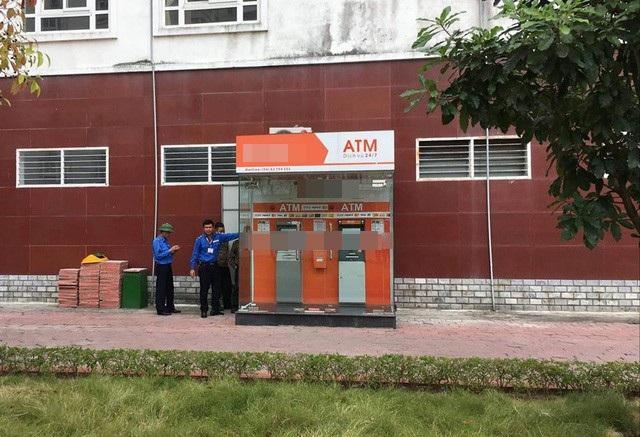 Cây ATM bị đặt mìn tại chung cư than Nam Mẫu