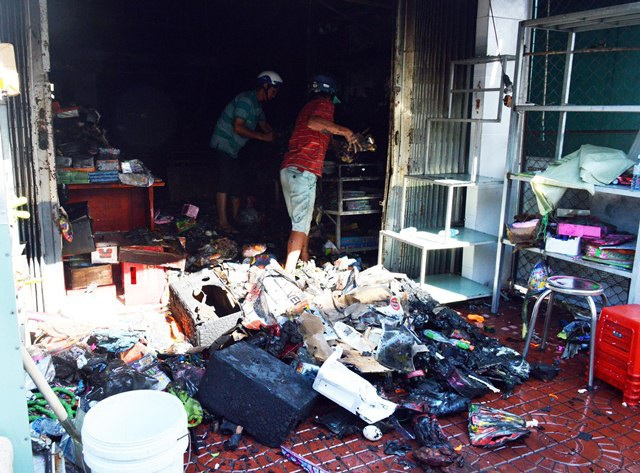 Nhiều đồ dùng, hàng hóa bị thiêu rụi. (Ảnh: CTV)