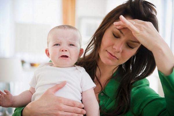 """Mẹ bị viêm tuyến vú """"ám ảnh"""" mỗi lần cho con bú vì đau"""