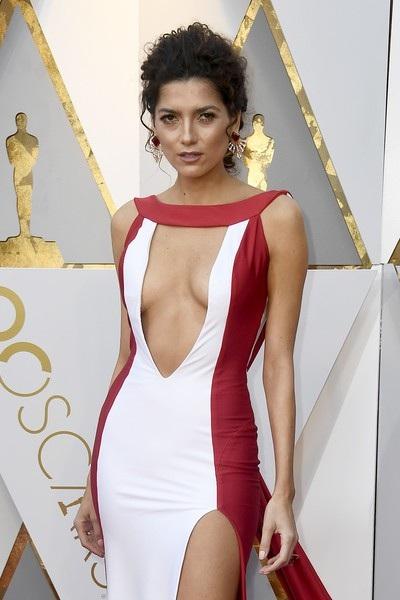 Blanca Blanco gây choáng khi xuất hiện tại lễ trao giải Oscar hồi tháng 3 với bộ váy xẻ quá đà.
