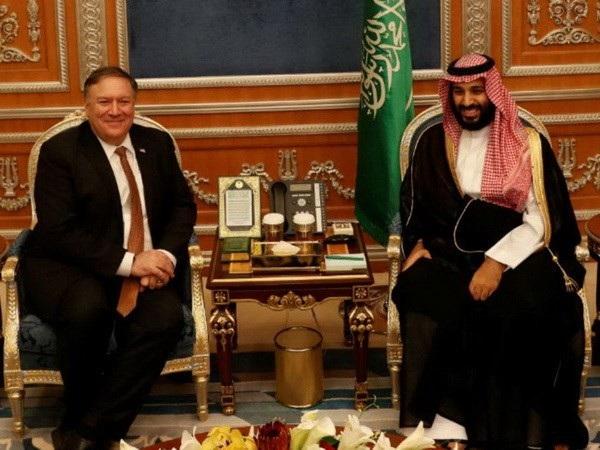 Ngoại trưởng Mỹ Mike Pompeo và Thái tử Saudi Arabia Mohammed bin Salman trong cuộc gặp ngày 16/10. (Nguồn: Reuters)