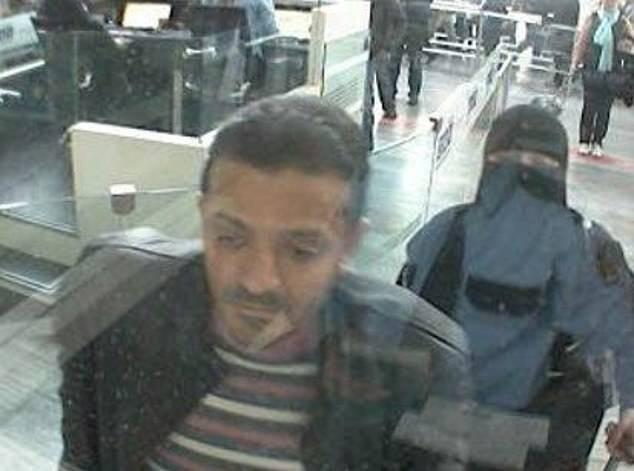 Hình ảnh bác sĩ pháp y Tubaigy xuất hiện tại sân bay ở Istanbul đúng vào ngày nhà báo Ả rập Xê út mất tích. (Ảnh: Dailymail)