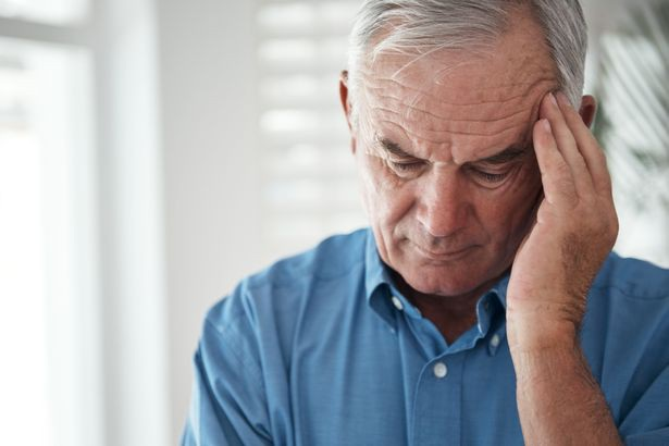 Người cao tuổi rất dễ bị tổn thương
